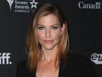 Tricia Helfer si unisce al cast di Lucifer, nella seconda stagione, come Madre degli Inferi (letteralmente)